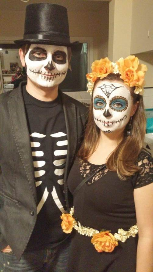 1-DIY-Day-Of-The-Dead-Costume-For-Couple