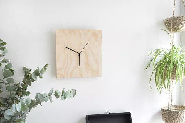 1-DIY-Plywood-Clock