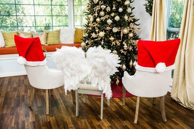 15-DIY-Christmas-Chair-Covers