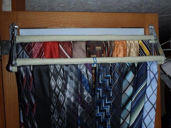 16-Closet-Door-Clamping-Tie-Rack