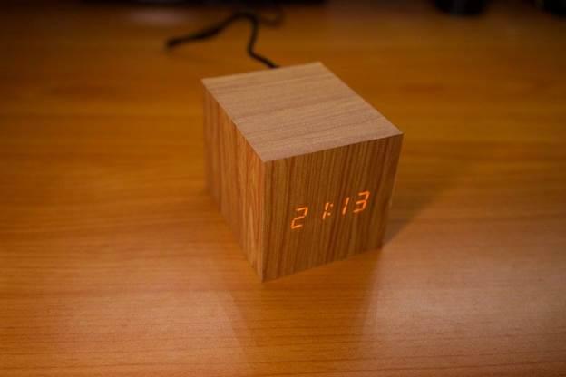 16-DIY-Wooden-Digital-Clock