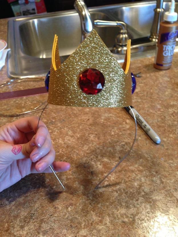 18-DIY-Princess-Peach-Crown