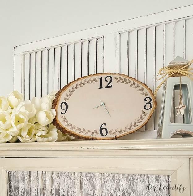 19-DIY-Wood-Slice-Clock