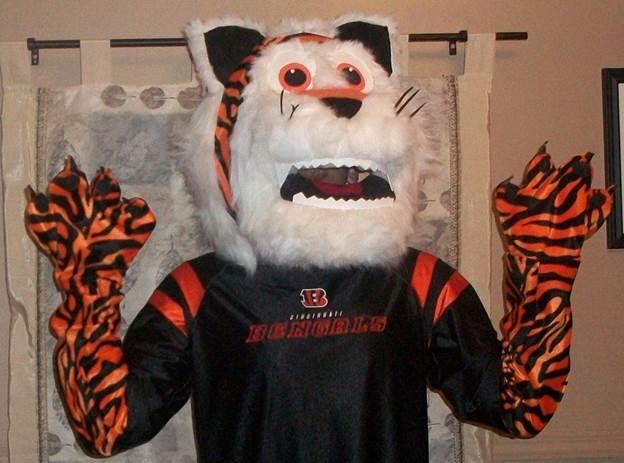 19-Homemade-Tiger-Mascot-Costume