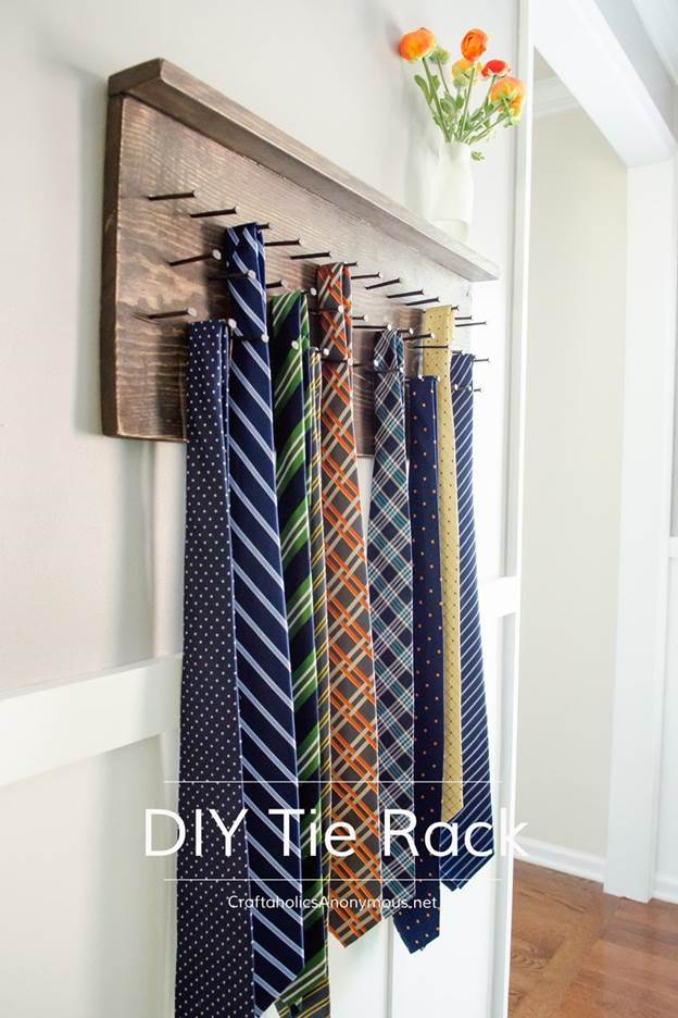 2-How-To-Make-A-DIY-Tie-Rack
