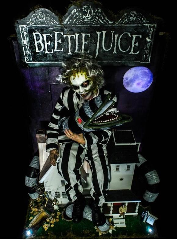 21-Ultimate-Beetlejuice-SandWorm-Puppet-Costume
