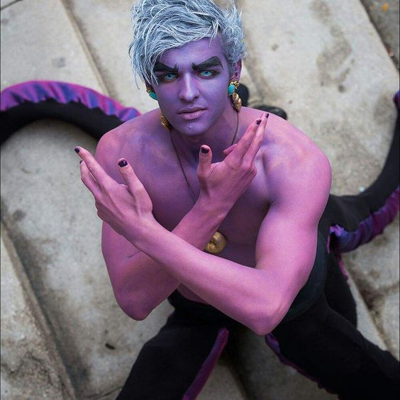 21-Ursula-Costume-For-Men-Idea
