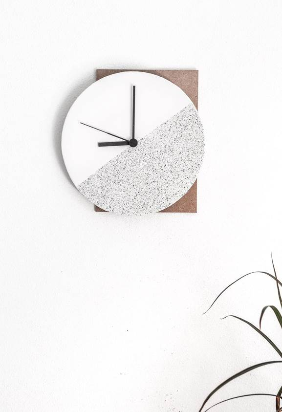 22-DIY-Component-Wall-Clock