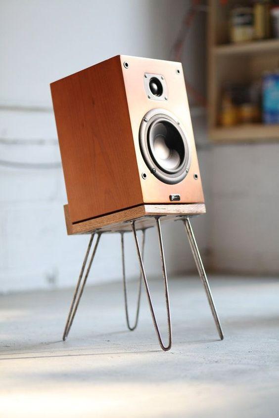 23-Hairpin-Speaker-Platform