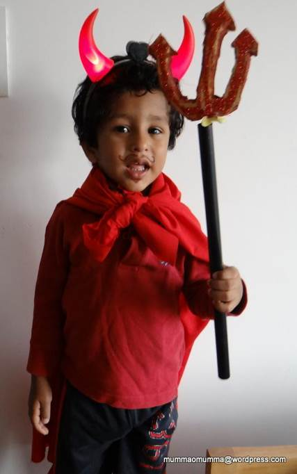 25-DIY-Devil-Horns-And-Costume-For-Kids