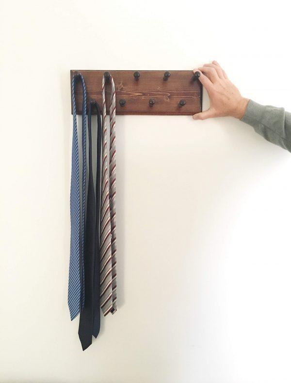 3-DIY-Tie-Rack-And-Hanger