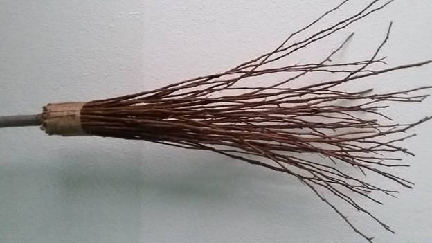 3-DIY-Wicked-Witch-Broom