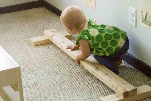 3-DIY-Wooden-Balance-Beam-For-Toddlers