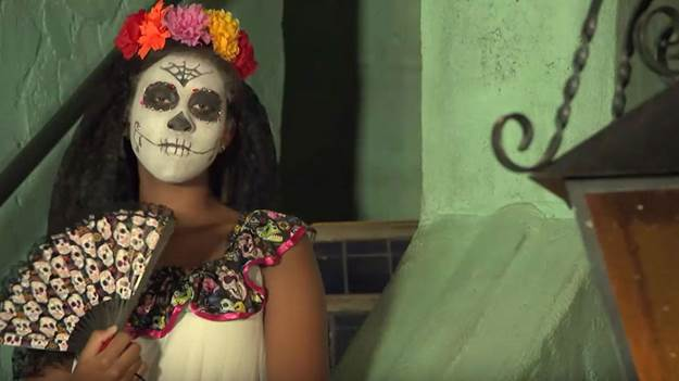 3-Halloween-Day-Of-The-Dead-Makeup-Tutorial