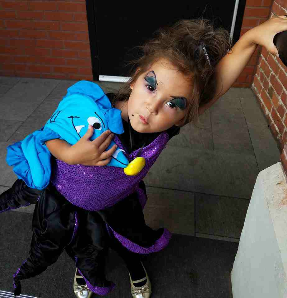 4-DIY-Ursula-Costume-For-Little-Girl