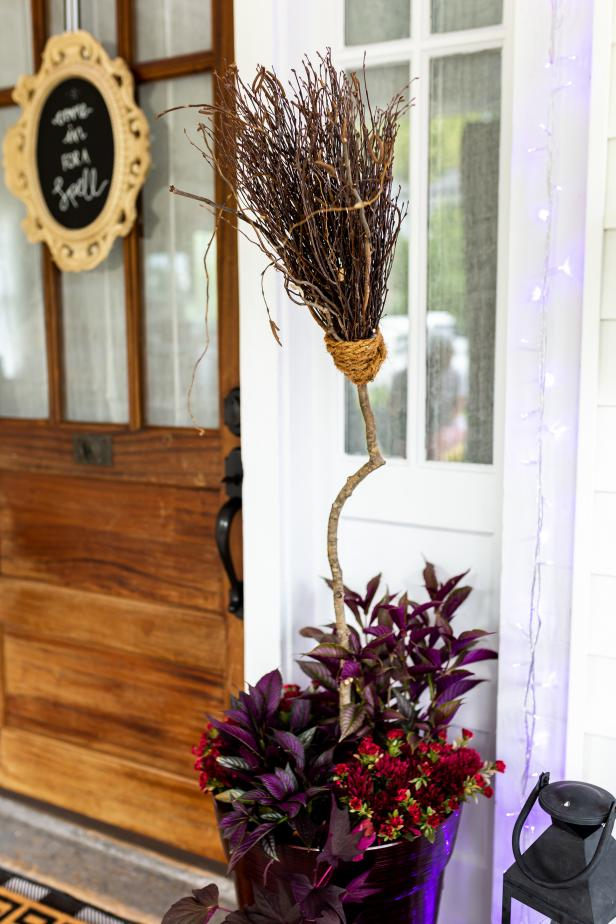 4-How-To-Make-A-Witch-Broom