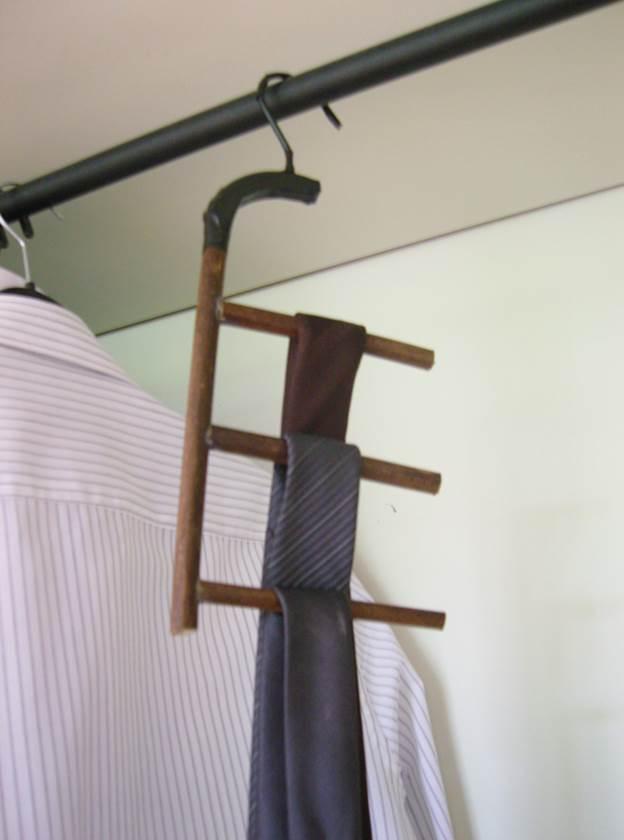 5-DIY-Bamboo-Tie-Rack