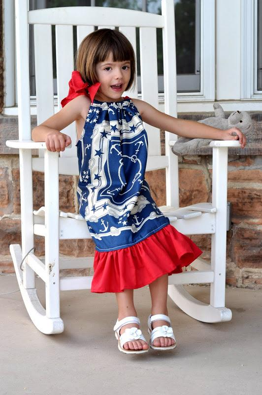 5-DIY-Patriotic-Pillow-Case-Dress-For-Girls