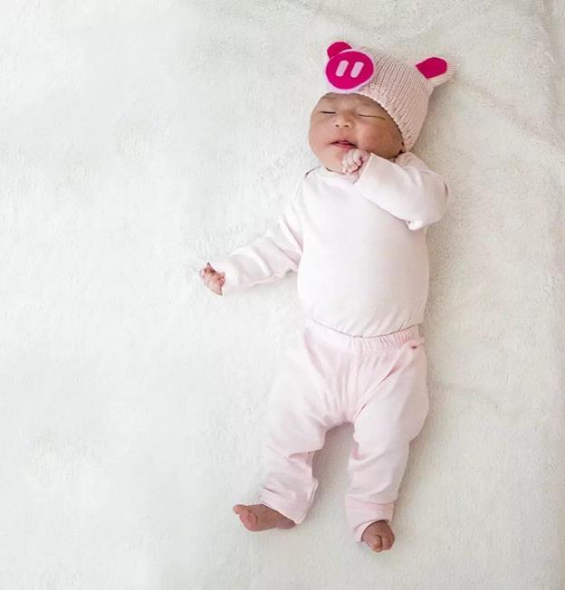5-DIY-Piglet-Baby-Costume