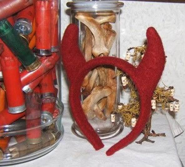 6-DIY-Devil-Horn-Headband