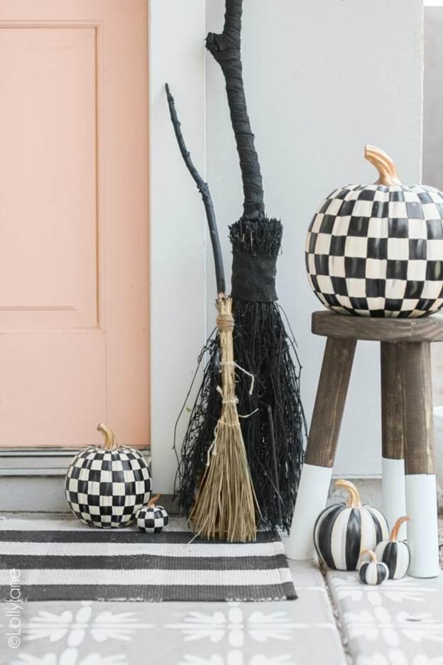 7-DIY-Witch-Broom-Dollar-Store
