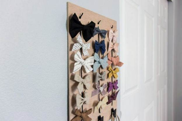 7-How-To-Make-A-Simple-Bow-Holder