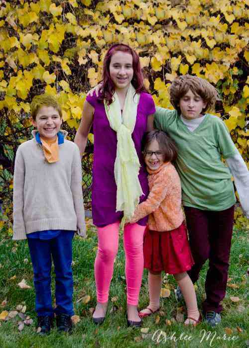 7. DIY Scooby Doo Family Costume