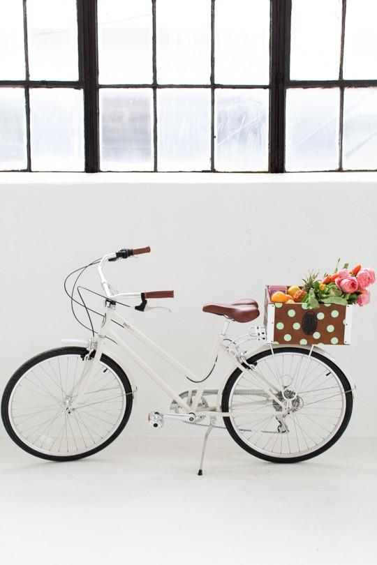 8-DIY-Polka-Dot-Bike-Basket