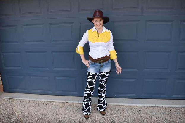 8-DIY-Toy-Story-Cowgirl-Costume