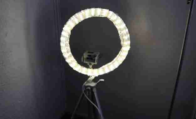 8. Makeup DIY Ring Light