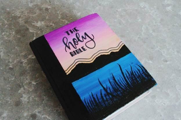 9-DIY-Painted-Bible-Cover