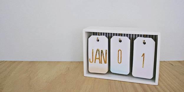 10-DIY-Desk-Calendar
