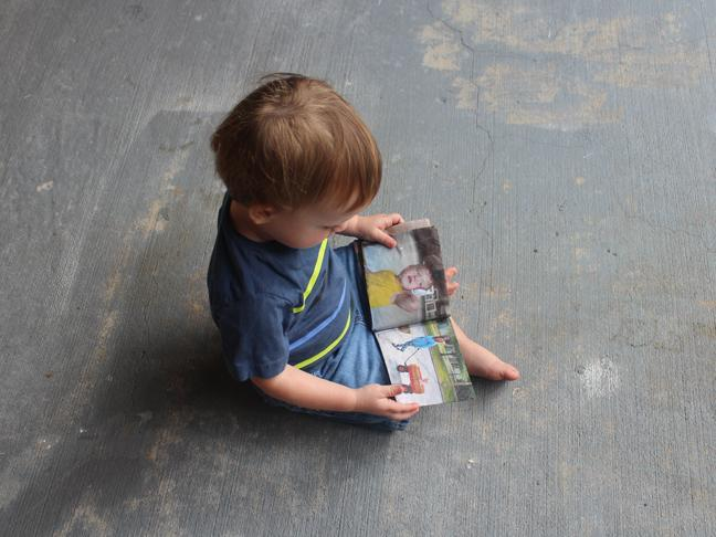 11-DIY-Fabric-Picture-Book