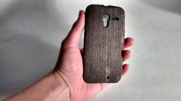 11-DIY-Wood-Phone-Case