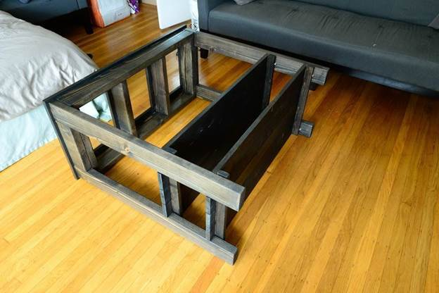12-DIY-Aquarium-Stand-With-Shelves
