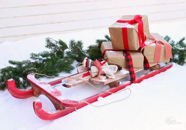 12-DIY-Christmas-Sled