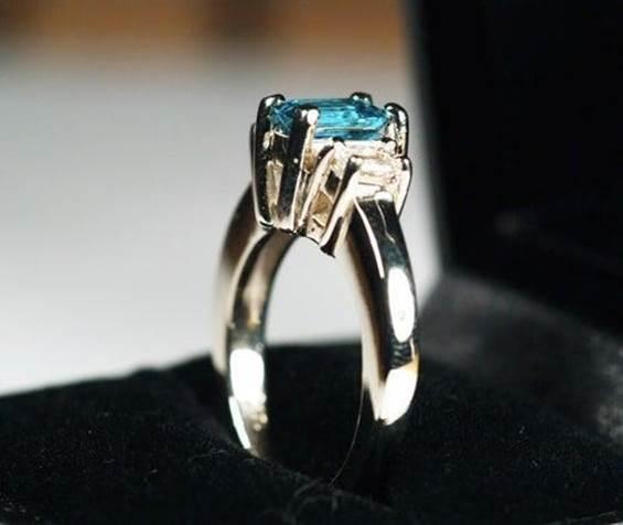 12-DIY-Three-Stone-Diamond-Ring