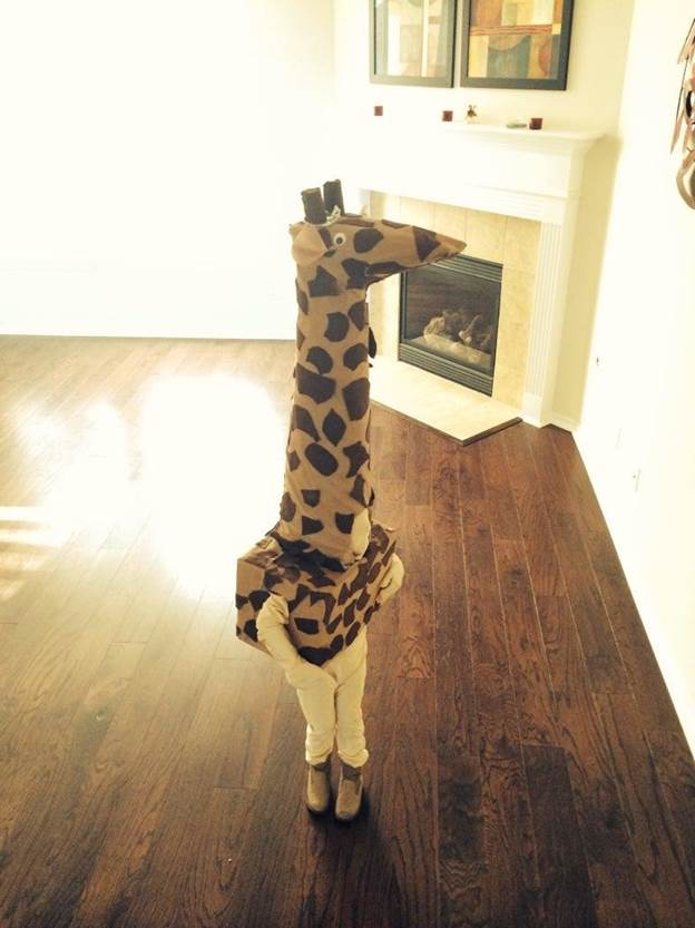 14-DIY-Giraffe-Costume
