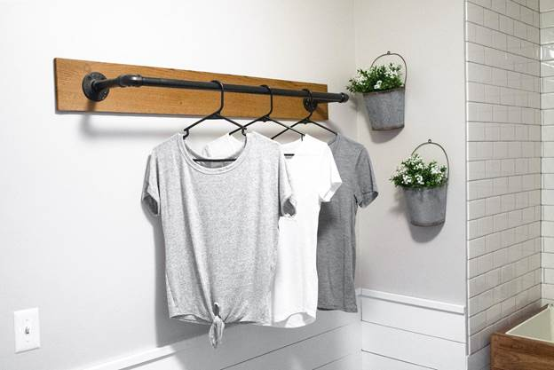 16-DIY-Wall-Mounted-Clothing-Rack