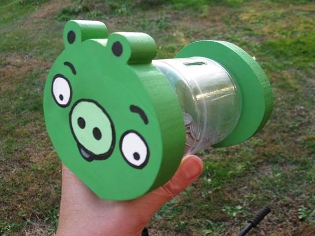 19-DIY-Angry-Birds-Piggy-Bank