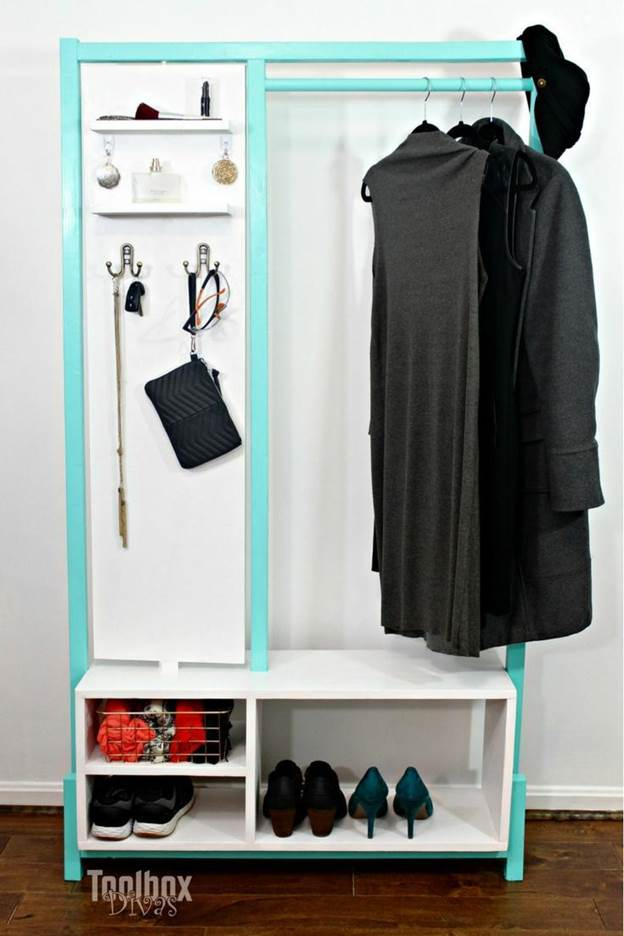 20-DIY-Stylish-Clothes-Rack-With-Mirror