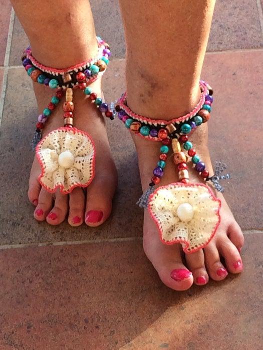 23-DIY-Beach-Barefoot-Sandals