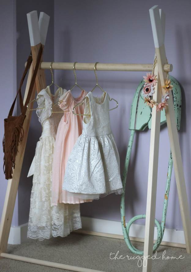 24-DIY-Kids-Clothes-Rack