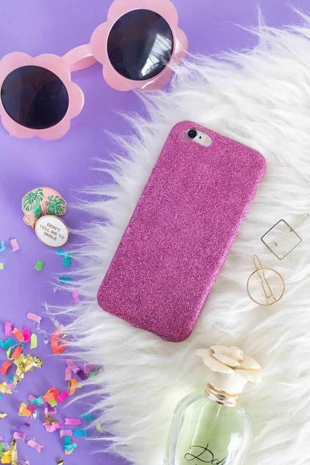 4-DIY-Glitter-Phone-Case