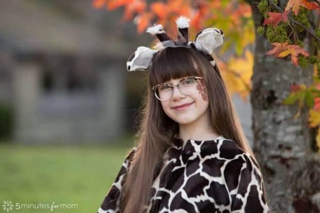 7-DIY-Cute-Giraffe-Costume