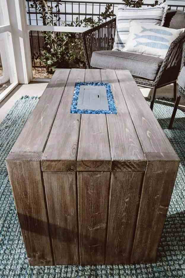 7-DIY-Fire-Pit-Table-For-$120
