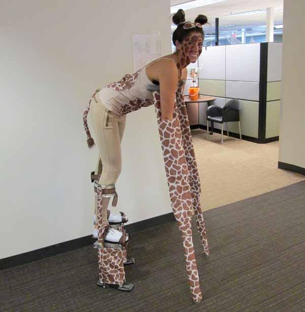 8-DIY-Giraffe-Halloween-Costume
