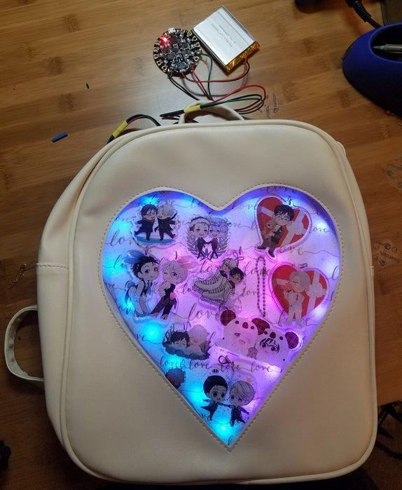 8-Glowing-LED-Ita-Bag