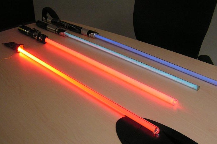 8-Top-Notch-Lightsaber-Design