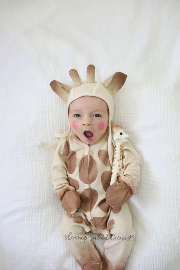 9-DIY-Giraffe-Baby-Costume